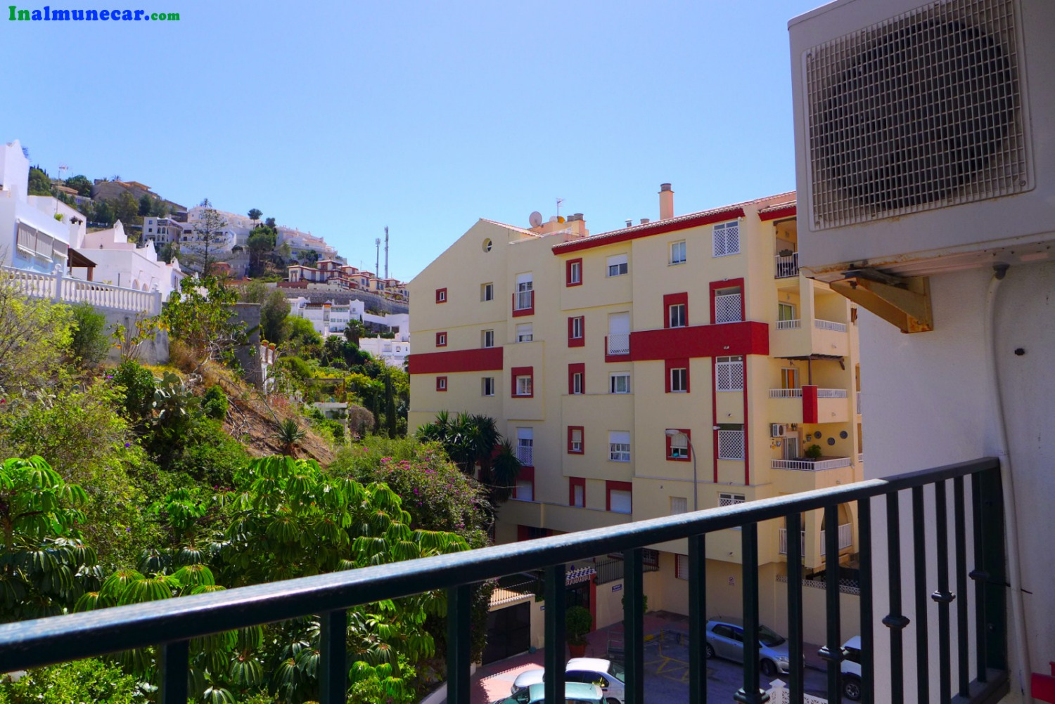 Apartment for sale with double parking space - €137,000