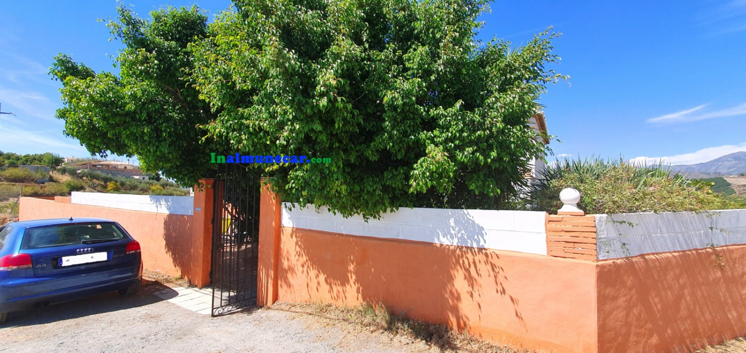 Charming country house (cortijo) for sale in Loma del Gato, Almuñecar